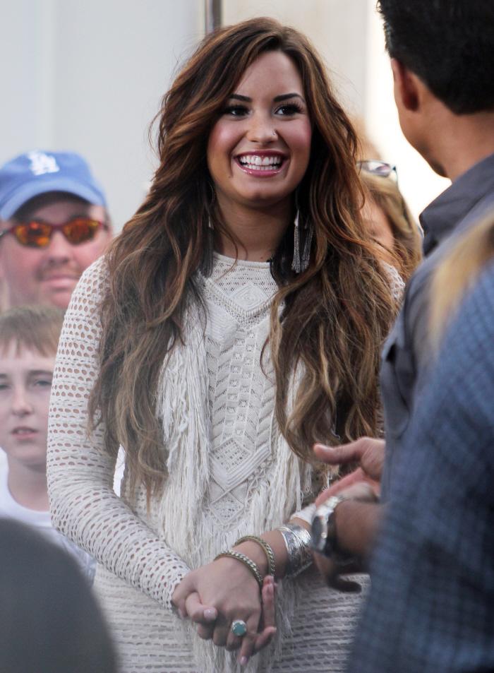 Wilmer Valderrama dating Demi Lovato 2013 Spider man dating MS Marvel