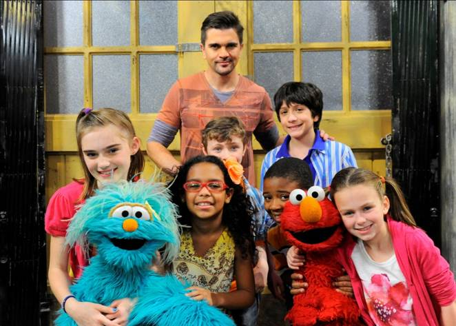 JUANES Will Appear In A Special Episode Of SESAME STREET On