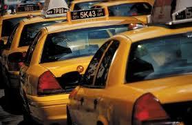 El Comisionado David Yassky visita la base de taxi First Class
