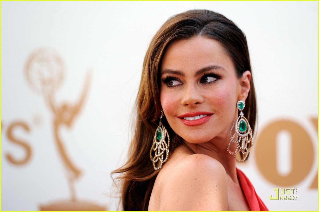 Sofia Vergara  To Support St. Jude's Tenth Annual Thanks and Giving Charity Campaign