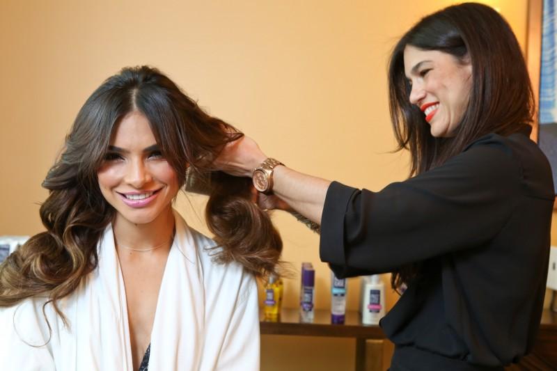Get Alejandra Espinoza Gorgeous Hair Look
