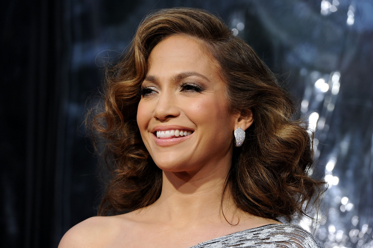 Jennifer Lopez announces partnership with Montefiore Medical Center in the Bronx
