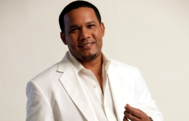 Dominican Singer Hector Acosta, 'El Torito', Meets with Leaders at White House