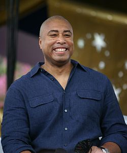 BERNIE WILLIAMS OFFICIALLY RETIRES FROM BASEBALL
