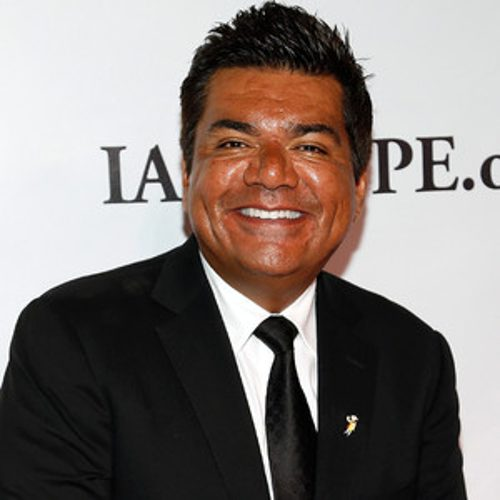 Trumping the Trump: George Lopez leads Latino in a chant against Donald Trump