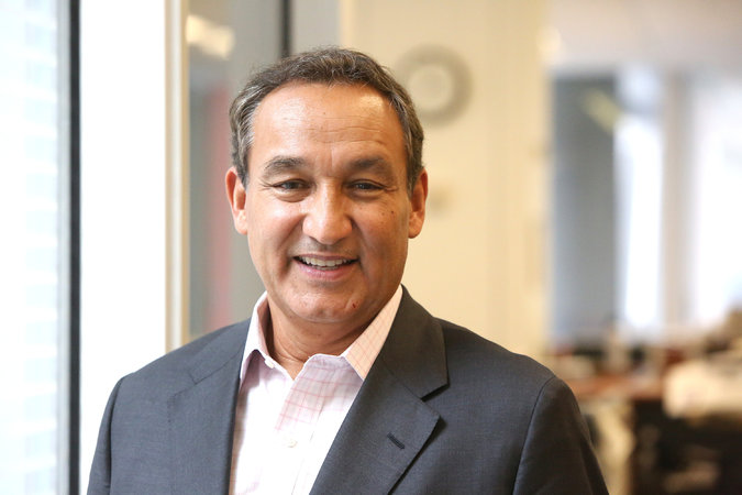 We support United Airlines CEO Oscar Munoz